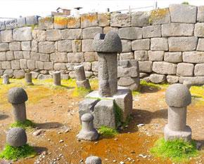 chucuito-templo-de-los-penes
